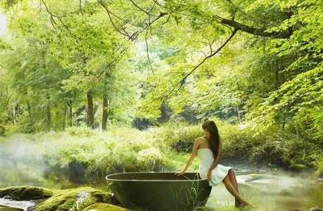 Woman By Outdoor Bathtub | Teplis Travel