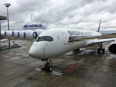 Singapore Airlines Airplane | Teplis Travel