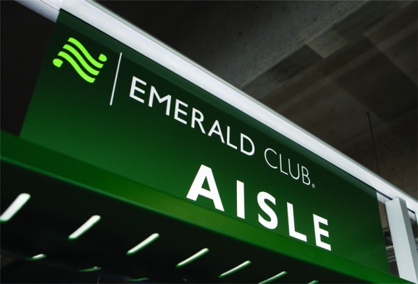Emerald Club Sign | Teplis Travel