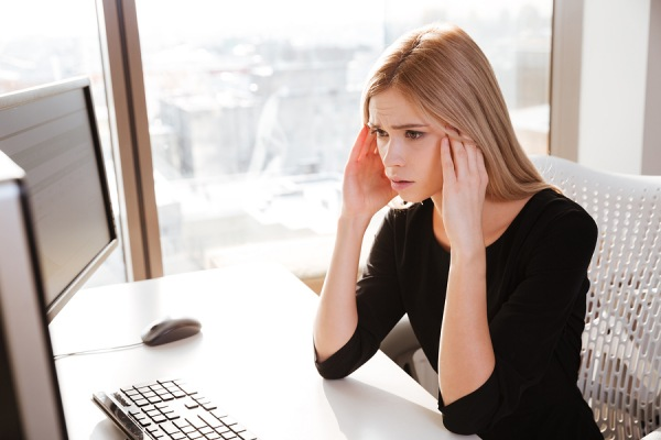 Woman Frustrated at Computer   Teplis Travel